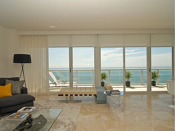 Motorized shades 5 motorized blinds shop by feature for Motorized solar shades for windows